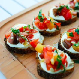 Tomato Crostini with Feta